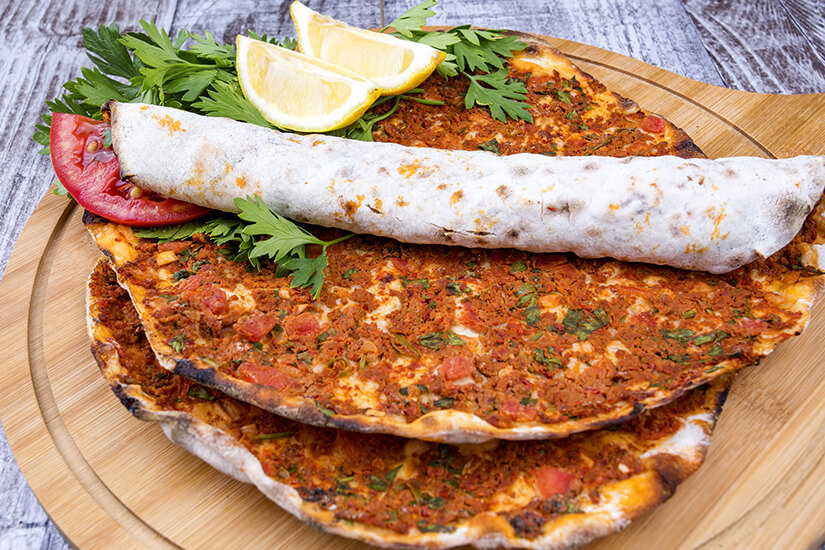 Tuerkische Pizza, Lahmacun