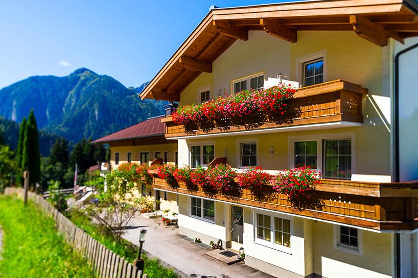 Typische Pension in den Bergen
