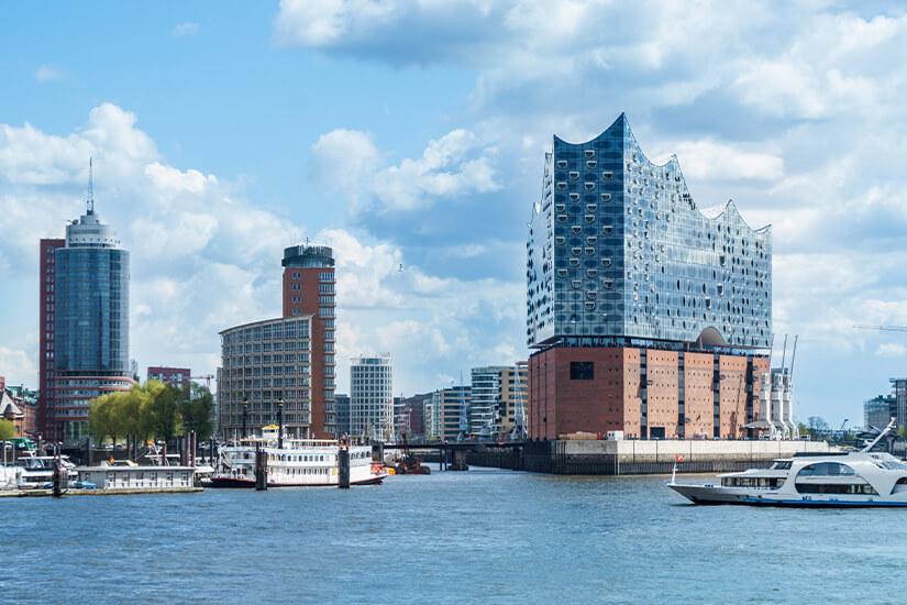 Elbphilharmonie mit Fassade aus Glas