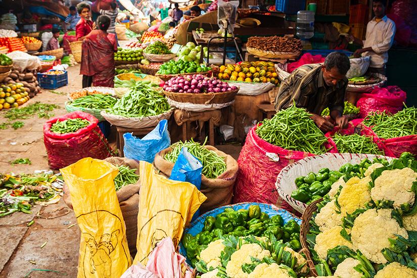Einkaufen auf dem lokalen Markt