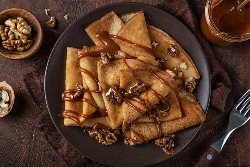 Crepes mit Karamellsoße für Schleckermaeuler