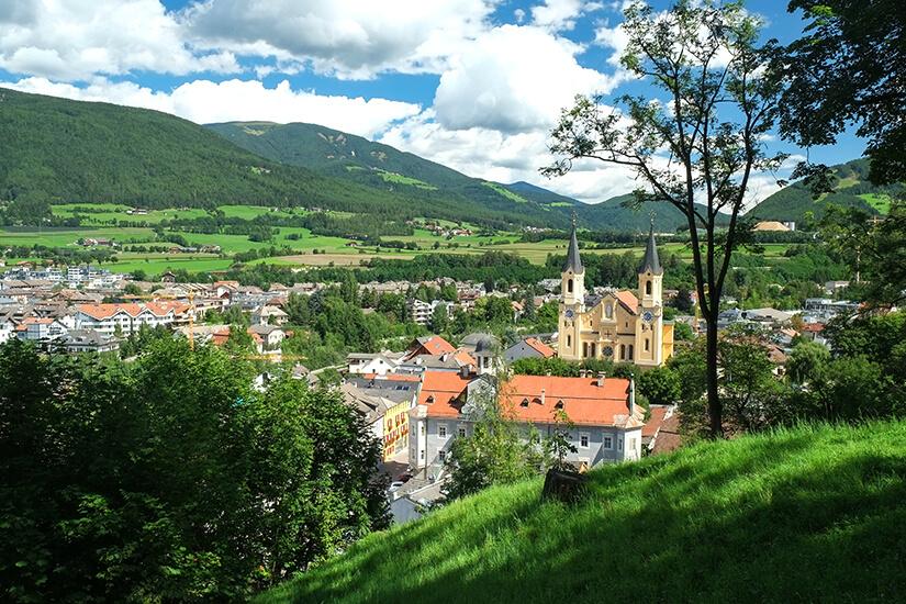 Stadtansicht von Bruneck im Pustertal