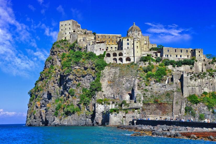 Die Festung Castello Aragonese auf Ischia