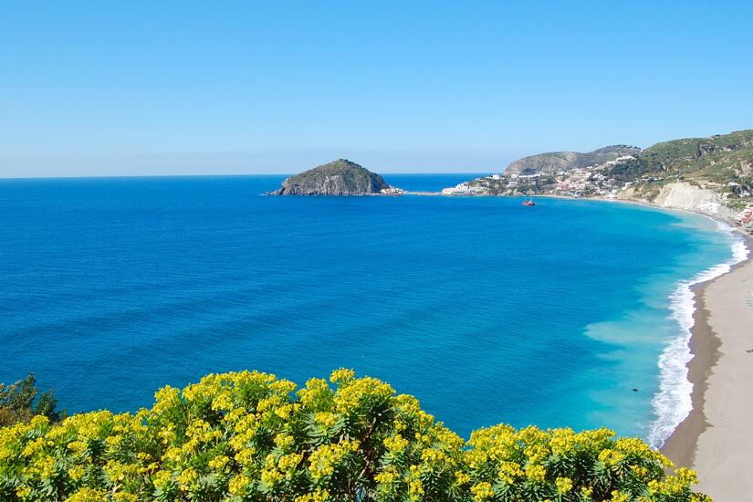 Strand von Maronti auf Ischia
