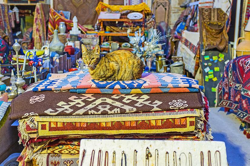 Teppiche auf einem Basar