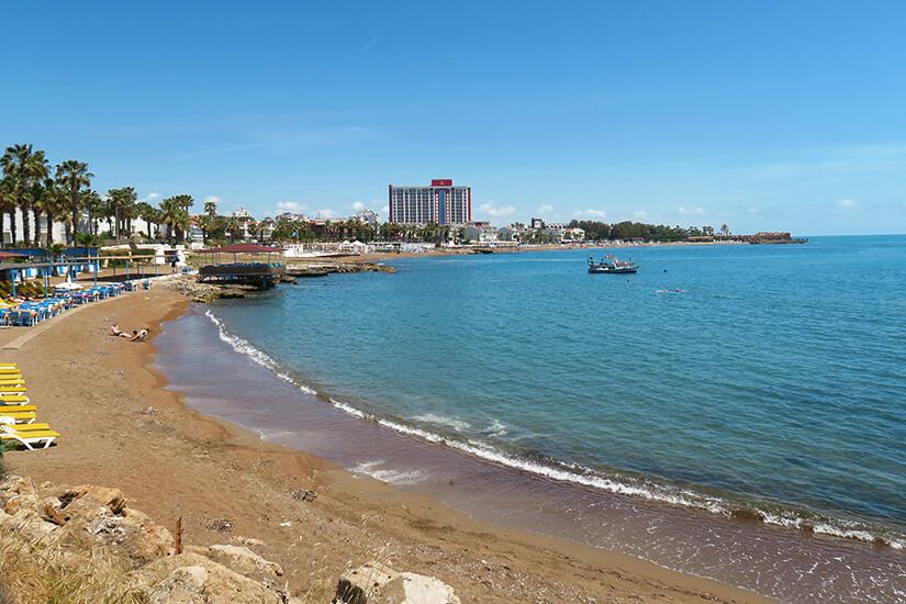 Lara Beach mit Hotels