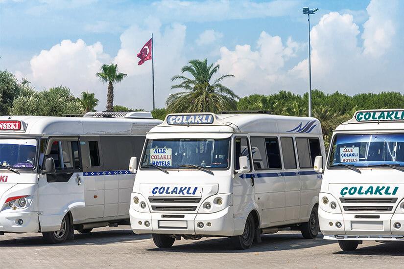 Dolmus Minibusse in der Tuerkei