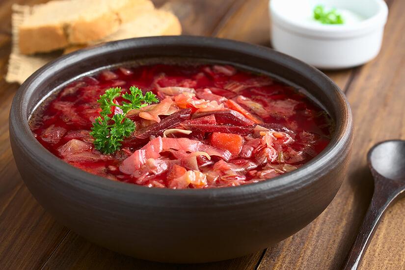 Borschtsch ist als russisches Essen bekannt