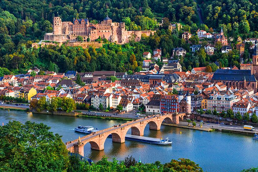Blick auf Heidelberg und die Alte Bruecke