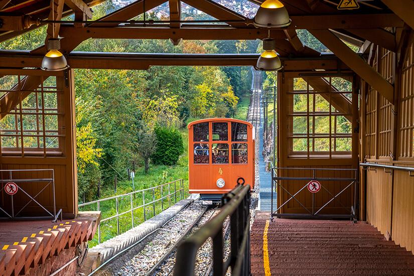 Mit der Bergbahn auf den Koenigstuhl