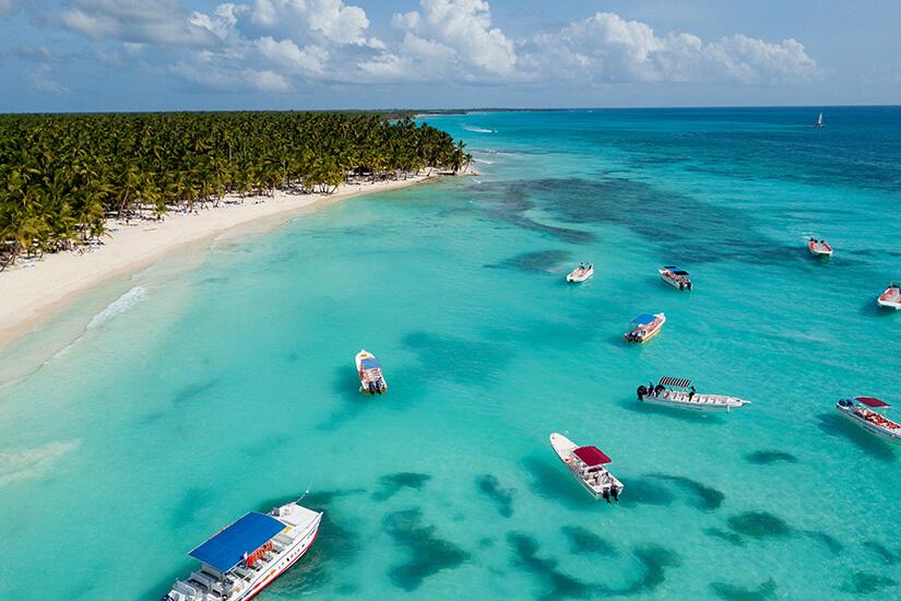 Boote vor der Isla Saona