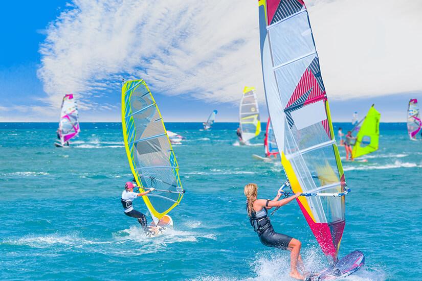 Windsurfen vor der Halbinsel Cesme