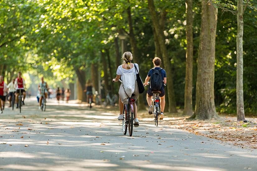 Radfahren im Amsterdamer Vondelpark
