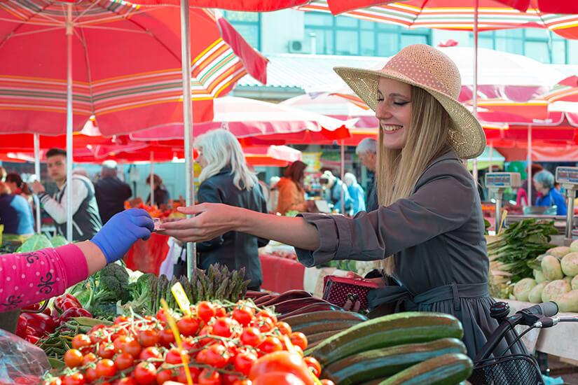 Frische Waren vom Wochenmarkt in Zagreb