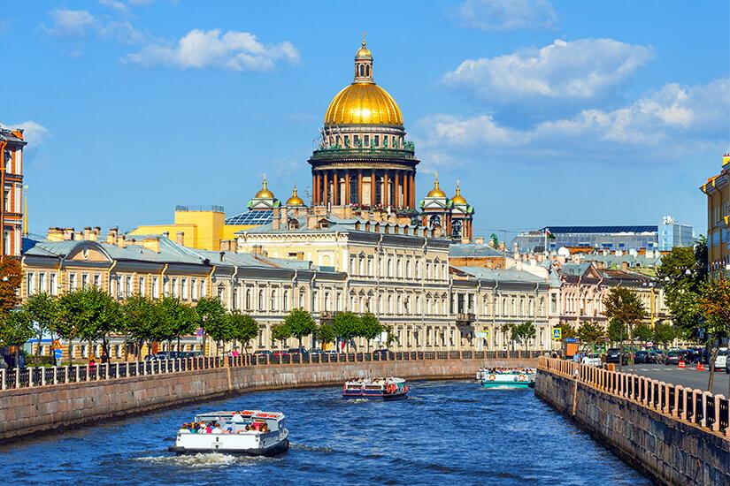 Blick auf die Isaak Kathedrale in St. Petersburg