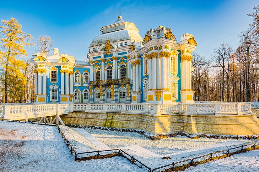 Winterlicher Hermitage Pavilion im Katharinenpark