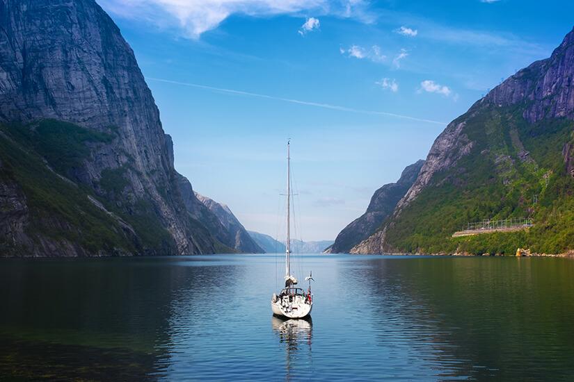 Mit dem Boot auf dem Lysefjord
