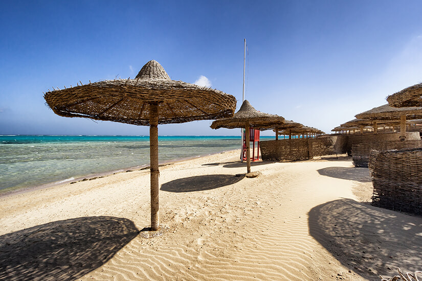 Strand mit Blick aufs Rote Meer
