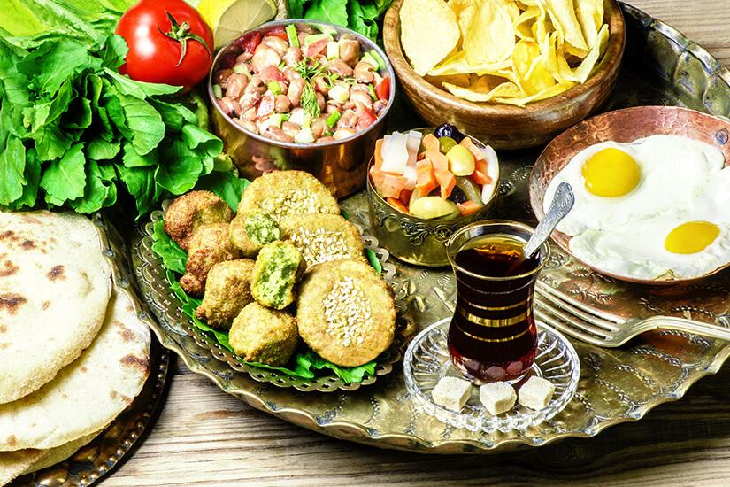 Arabische Leckereien mit Falafel