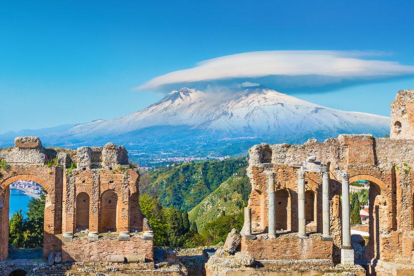 Blick auf den Aetna in Sizilien