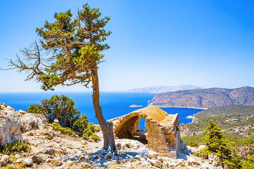 Historische Ruinen und Natur auf Rhodos