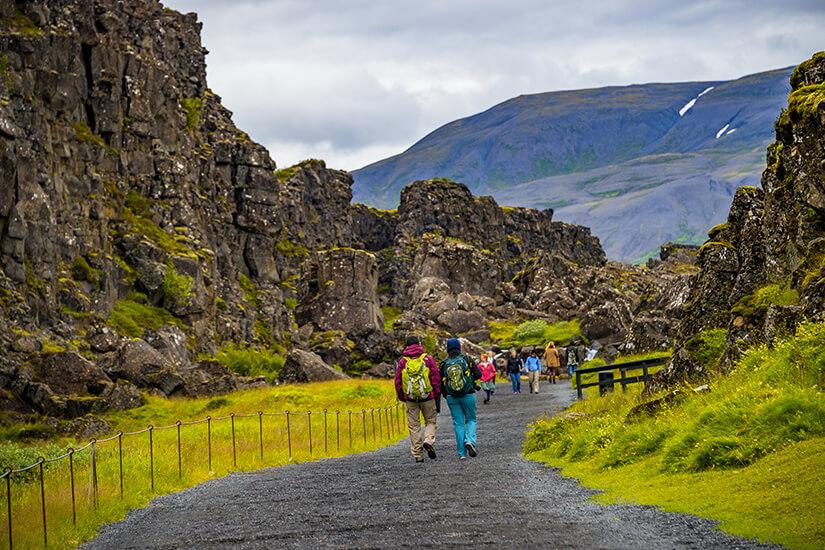 Wanderer im Thingvellir-Nationalpark