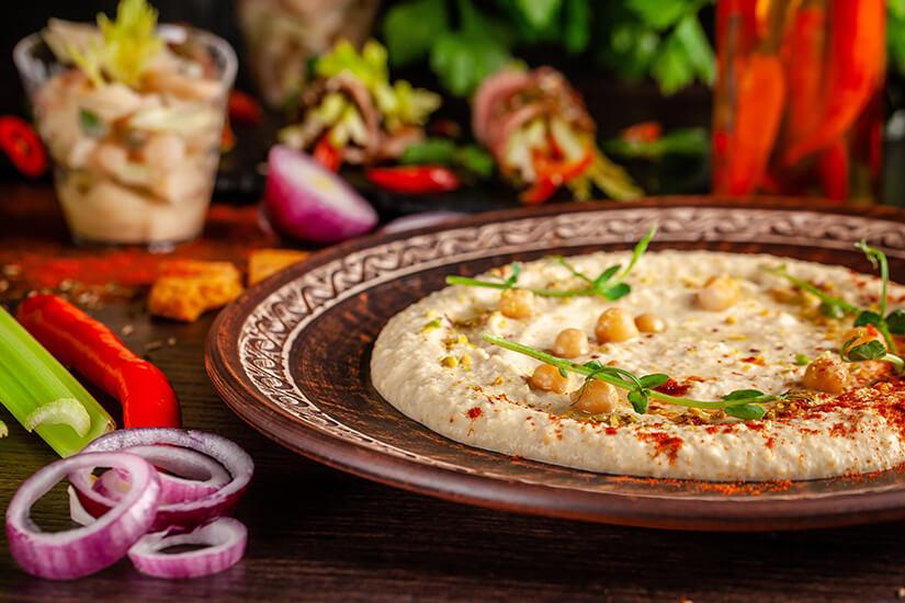 Orientalischer Hummus