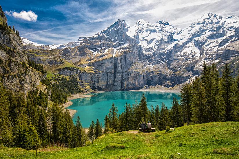 Blick auf den Schweizer Oeschinensee