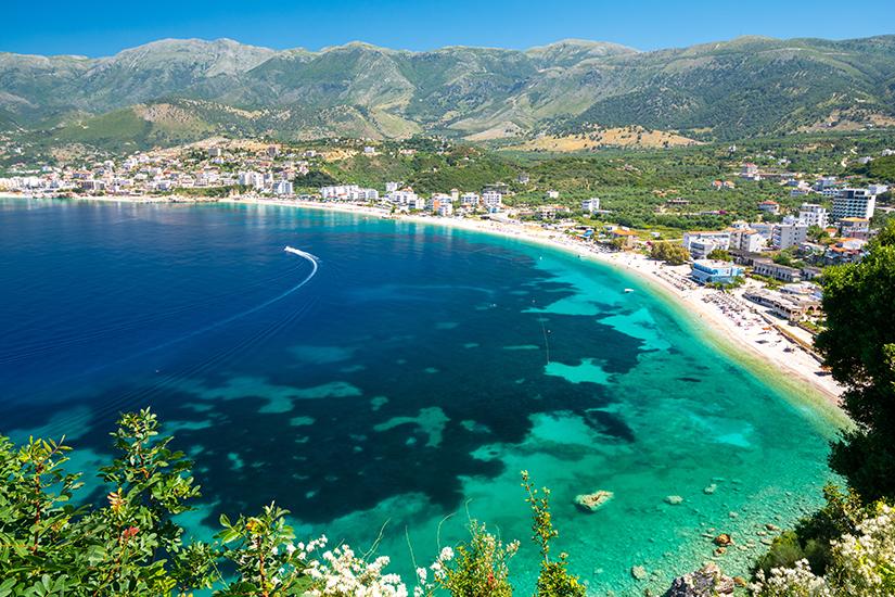 Blick auf die Riviera in Albanien