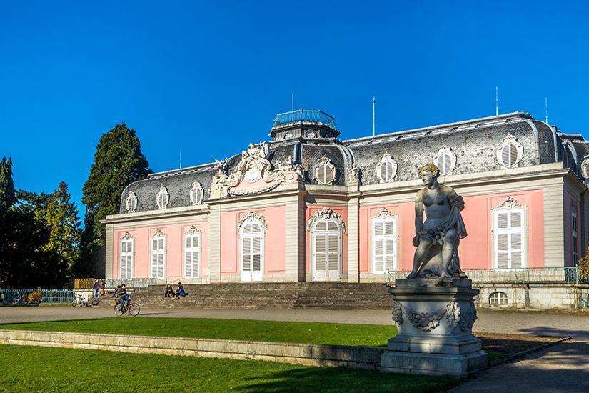 Schloss Benrath bei Duesseldorf