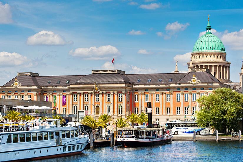 Brandenburger Landtag und Nikolaikirche