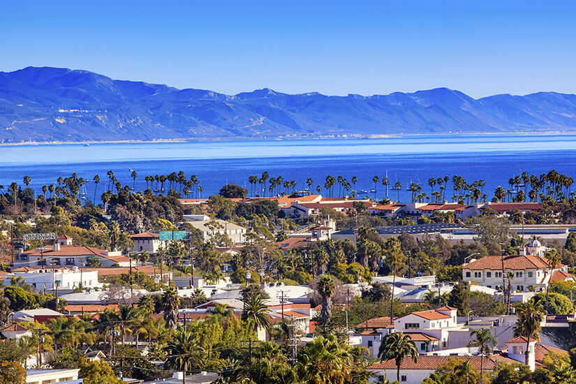 Santa Barbara liegt direkt am Pazifik