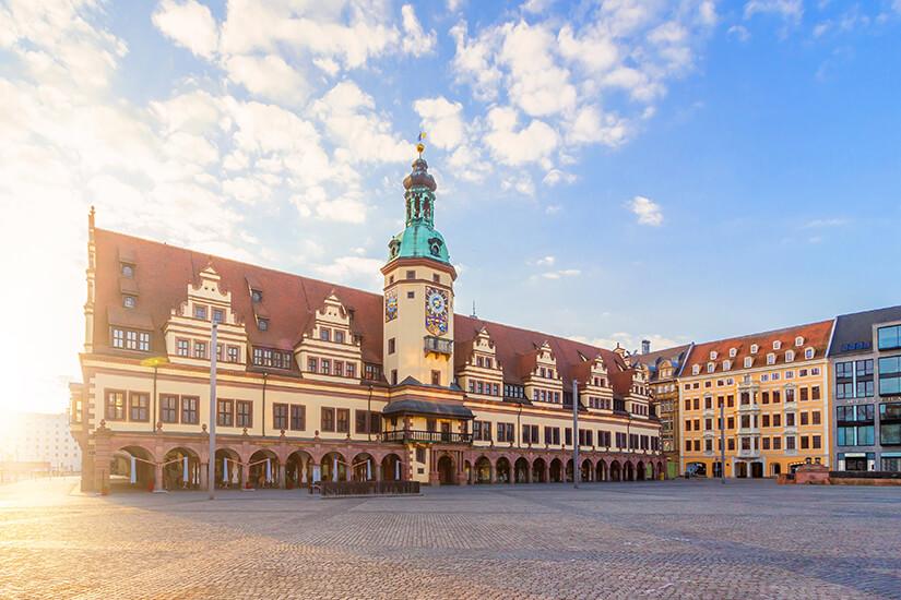 Altes Rathaus mit Marktplatz
