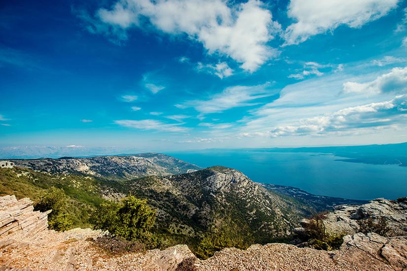 Blick vom Vidova Gora auf die Insel Brac
