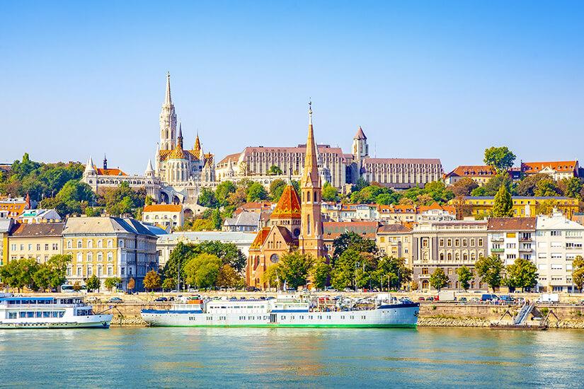 Burg und Donau in Budapest
