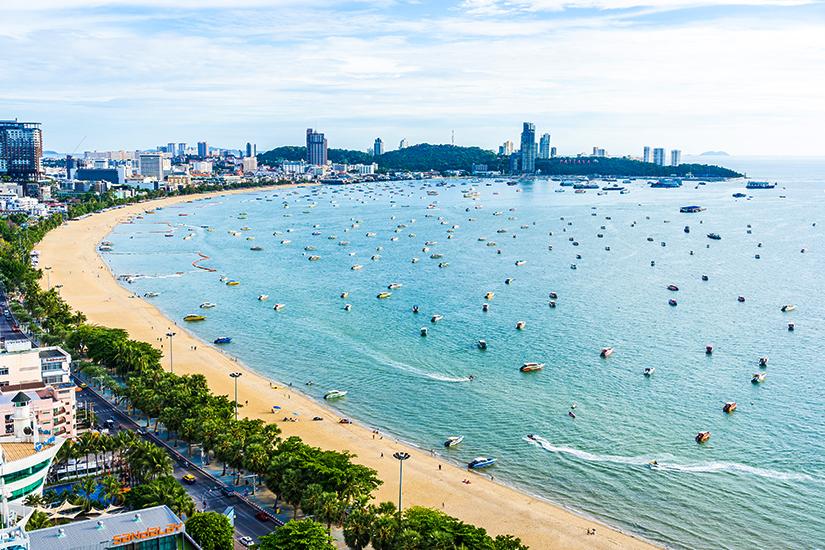 Blick auf Pattaya und den Strand