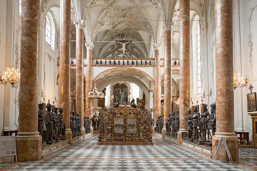 Im Inneren der Innsbrucker Hofkirche