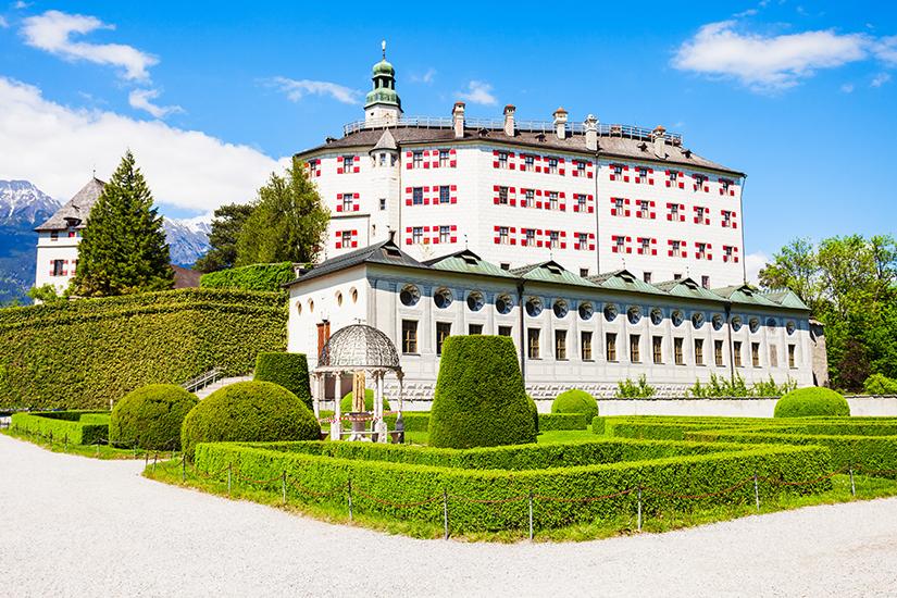 Schloss Ambras mit Parkanlage