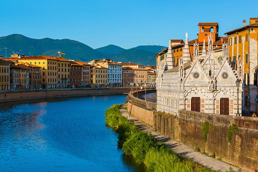 Arno fliesst durch Pisa