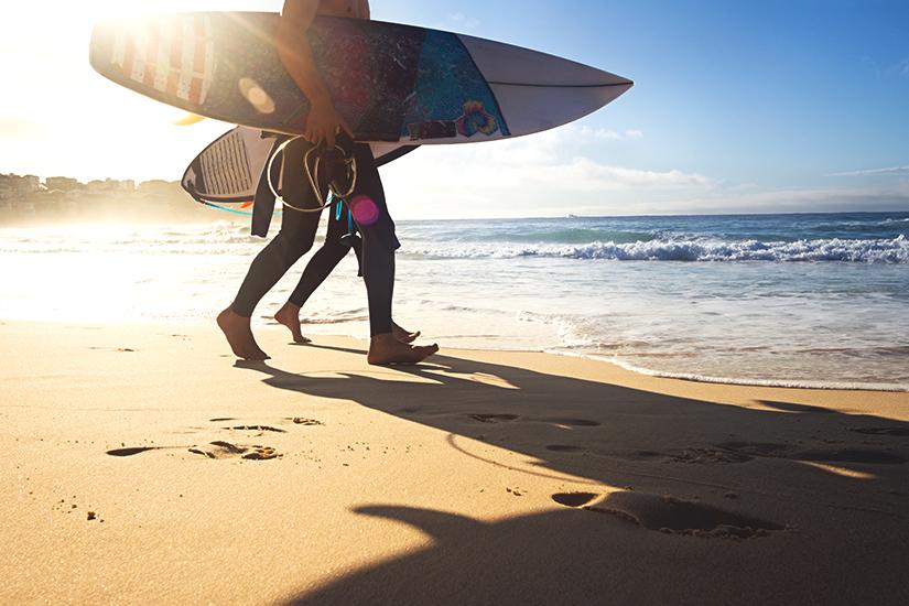 Surfen am Strand von Sydney