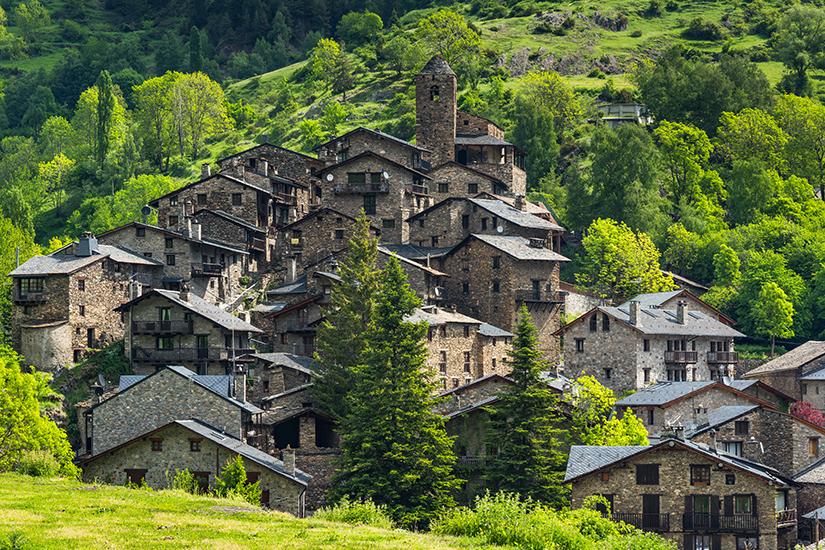 Dorf in den Bergen von Andorra