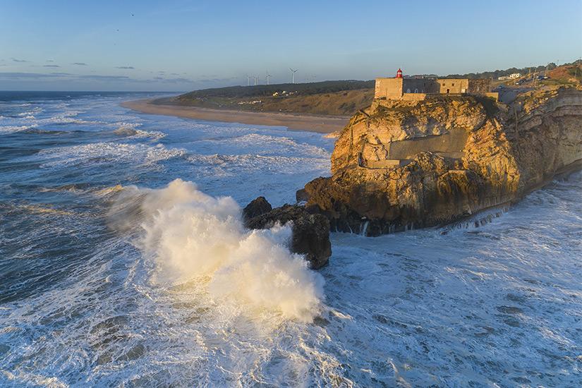 Beeindruckende Wellen vor Nazare