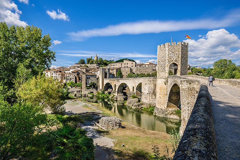 Historisches Besalu in den spanischen Pyrenaeen