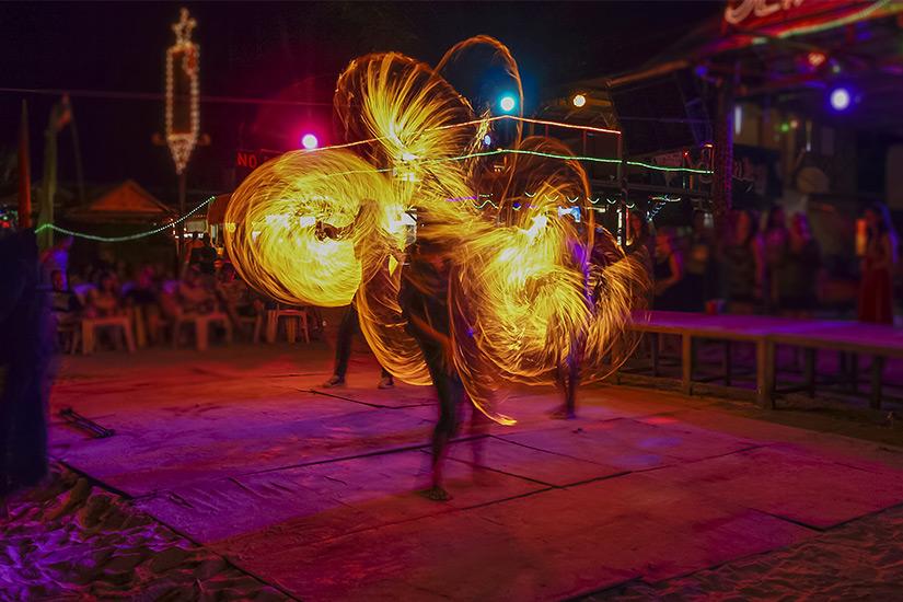 Feuershow bei der Full Moon Party
