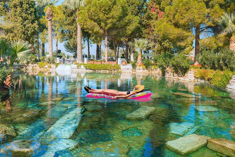 Antiker Pool mit Thermalwasser