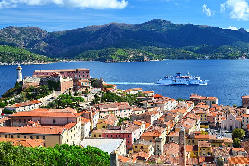 Portoferraio mit Blick aufs Meer