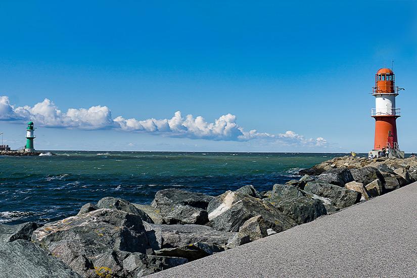 Muendung der Warnow in die Ostsee