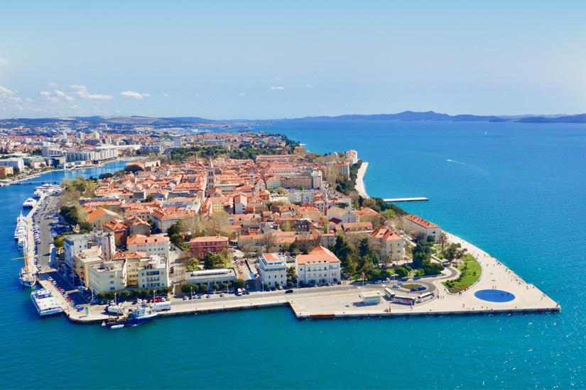 Blick auf die Hafenstadt Zadar