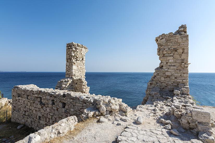 Historische Ueberreste in Phytagorio