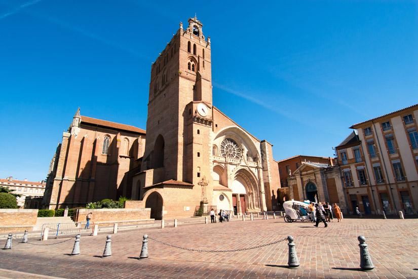 Kathedrale Saint-Etienne im romanisch-gotischen Stil